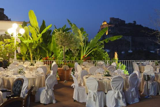 Music and Cabaret at the Delfini Hotel of Ischia