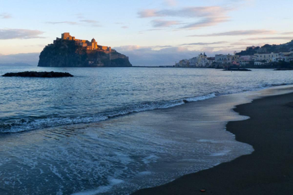 """Offerta Gennaio Speciale Ischia """"Coccole e Relax"""" in riva al mare"""