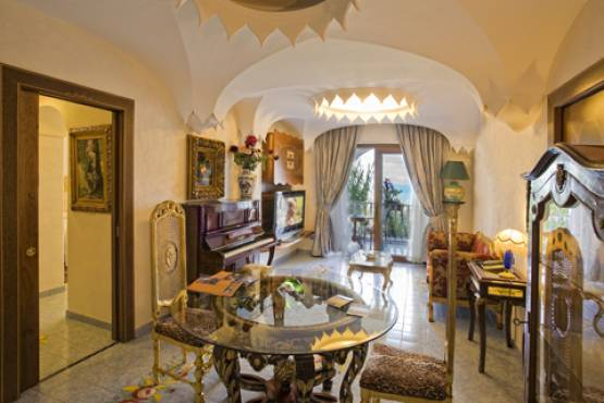 """Fuga d'amore d'autunno"" Luxury Accomodation in Royal Suite - week-end"